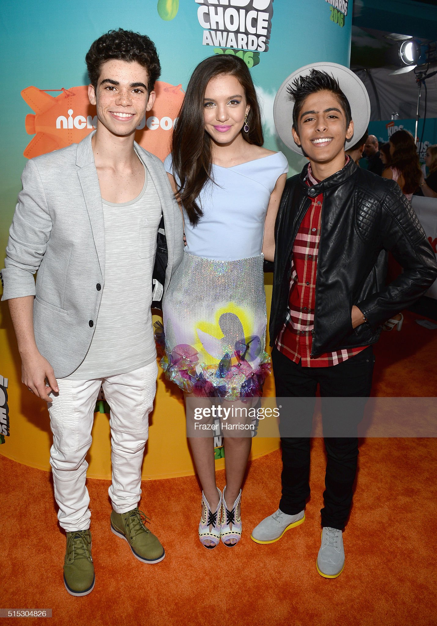 ¿Cuánto mide Karan Brar? - Real height Actors-cameron-boyce-lilimar-and-karan-brar-attends-nickelodeons-2016-picture-id515304826?s=2048x2048