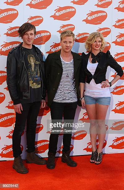 H20 actors Cariba Heine and Angus McLaren arrive for the Australian Nickelodeon Kids' Choice Awards 2009 at Hisense Arena on November 13 2009 in...