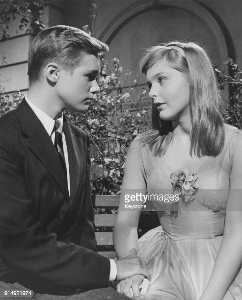 Actors Carol Lynley and Brandon De Wilde in a scene from the 20th Century Fox film 'Blue Denim' 1959