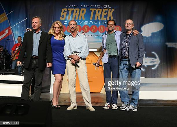 Actors Casey Biggs Chase Masterson Marc Alaimo Alexander Siddig and Andrew Robinson speak during the 'Star Trek Deep Space Nine Life' panel at the...