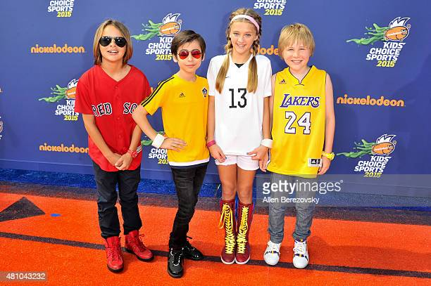 Actors Casey Simpson Aidan Gallagher Lizzy Greene and Mace Coronel attend the Nickelodeon Kids' Choice Sports Awards 2015 at UCLA's Pauley Pavilion...