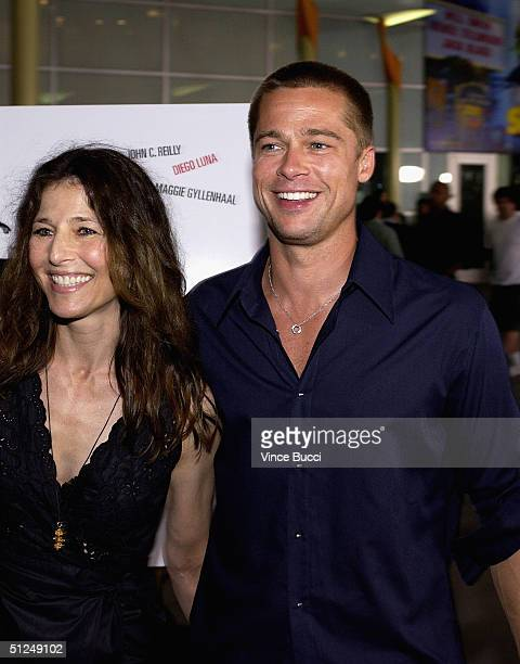 """Actors Catherine Keener and Brad Pitt attend the premiere of the Warner Independent Pictures' film """"Criminal"""" on August 30, 2004 at the Arclight..."""