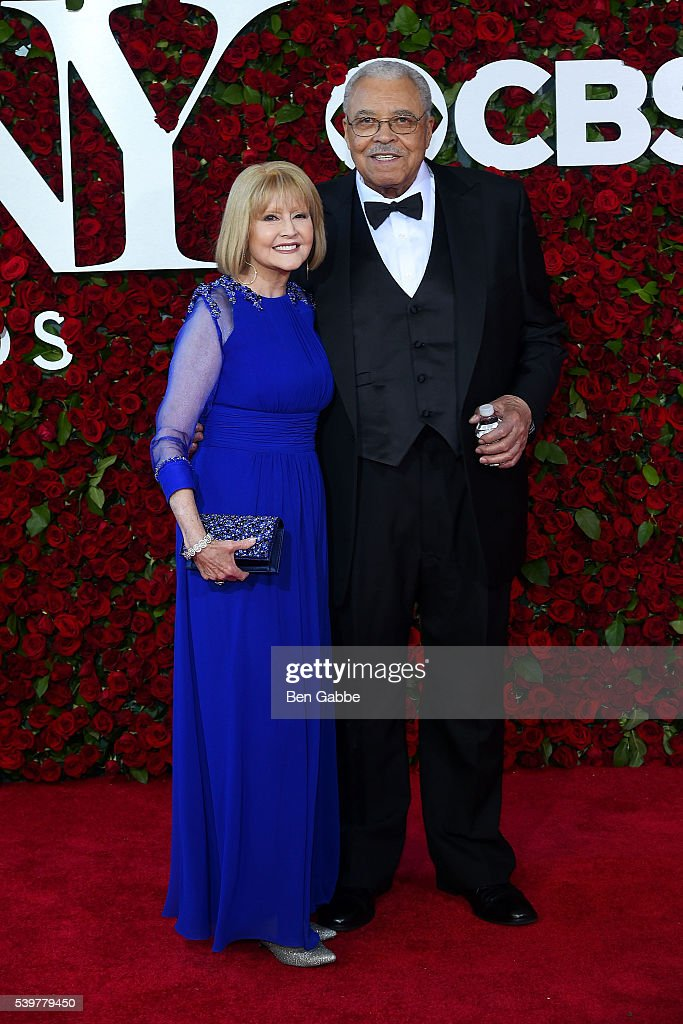 Actors Cecilia Hart (L) and James Earl Jones attend the 70th Annual Tony Awards at The Beacon Theatre on June 12, 2016 in New York City.