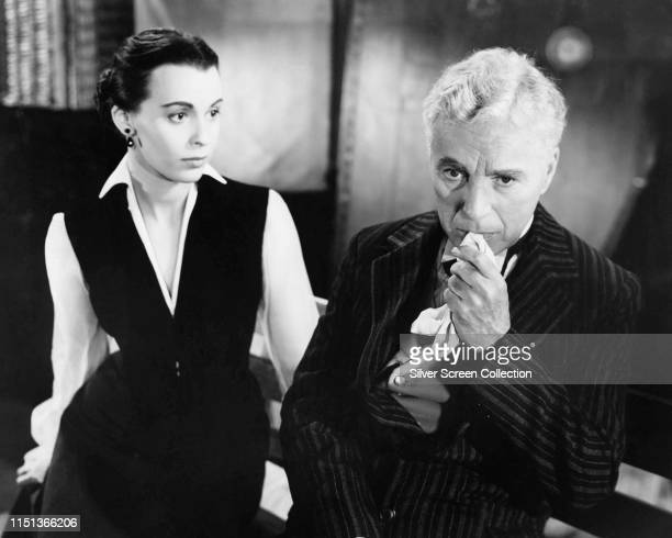 Actors Charles Chaplin as Calvero and Claire Bloom as Thereza in the film 'Limelight' 1952