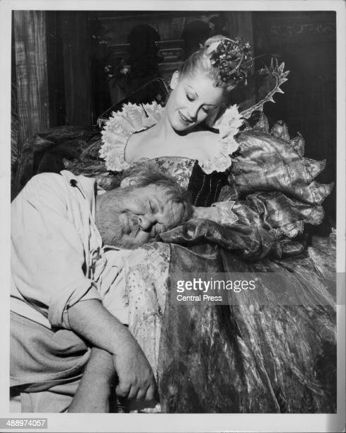 Actors Charles Laughton and Mary Ure rehearsing for the play 'A Midsummer Night's Dream' StratforduponAvon England June 2nd 1959