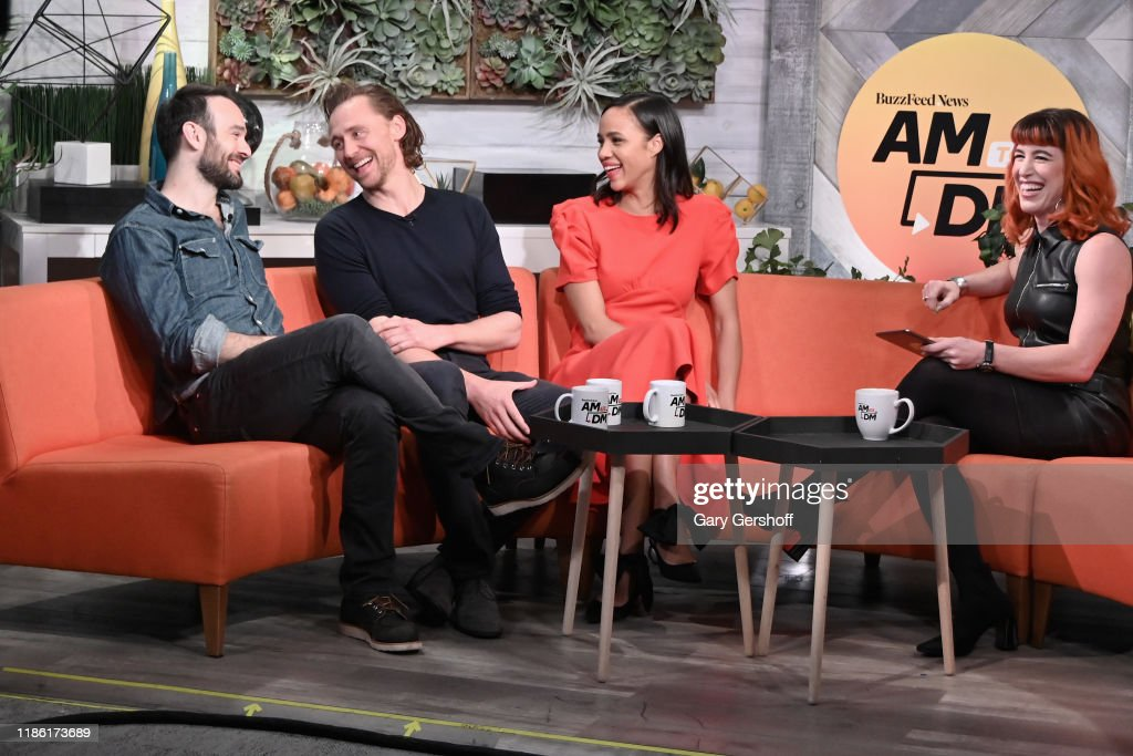 "Celebrities Visit BuzzFeed's ""AM To DM"" - November 7, 2019 : News Photo"
