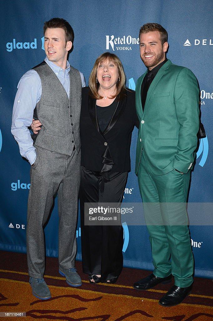 Red Carpet - 24th Annual GLAAD Media Awards : News Photo