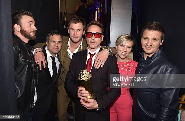 Actors Chris Evans Mark Ruffalo Hemsworth Robert Downey Jr Scarlett Johansson And Jeremy Renner Pose