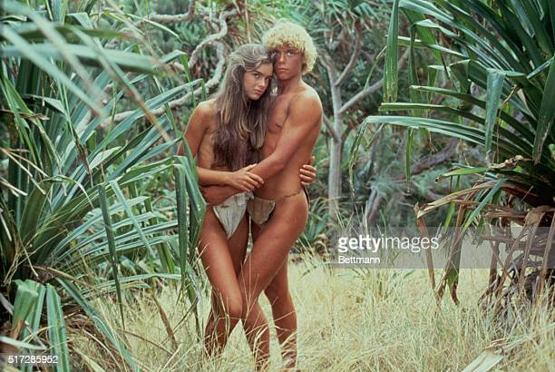 Actors Christopher Atkins and Brooke Shields in the 1980 film Blue Lagoon directed by Randal Kleiser