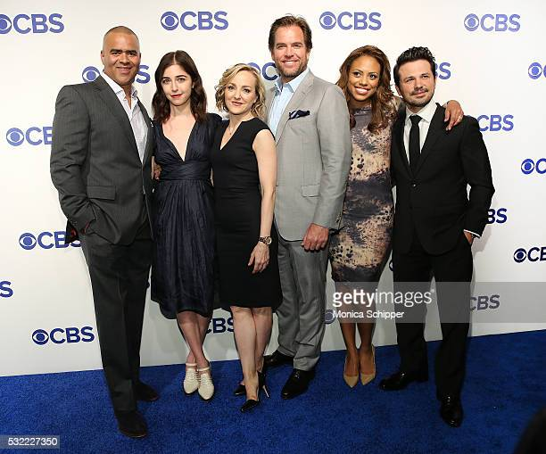 Actors Christopher Jackson Annabelle Attanasio Geneva Carr Michael Weatherly Jaime Lee Kirchner and Freddy Rodriguez of CBS television series Bull...