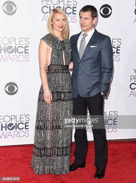 Actors Claire Danes and Hugh Dancy attend the People's Choice Awards 2016 at Microsoft Theater on January 6 2016 in Los Angeles California
