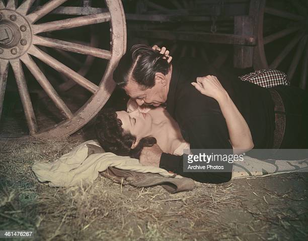 Actors Clark Gable and Jane Russell in a scene from the film 'The Tall Men' 1955