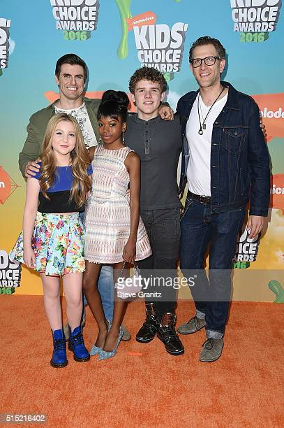 Actors Cooper Barnes Ella Anderson Riele Downs Sean Ryan Fox and Jeffrey Brown attend Nickelodeon's 2016 Kids' Choice Awards at The Forum on March 12...