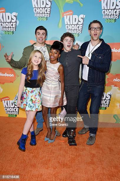 Actors Cooper Barnes, Ella Anderson, Riele Downs, Sean Ryan Fox and Jeffrey Brown attend Nickelodeon's 2016 Kids' Choice Awards at The Forum on March...