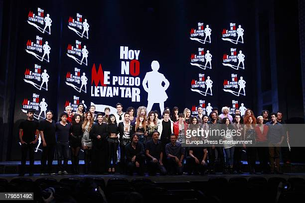Actors dance during rehearsals for the press during the presentation of the musical 'Hoy no me puedo levantar' at Coliseum theatre on September 4...