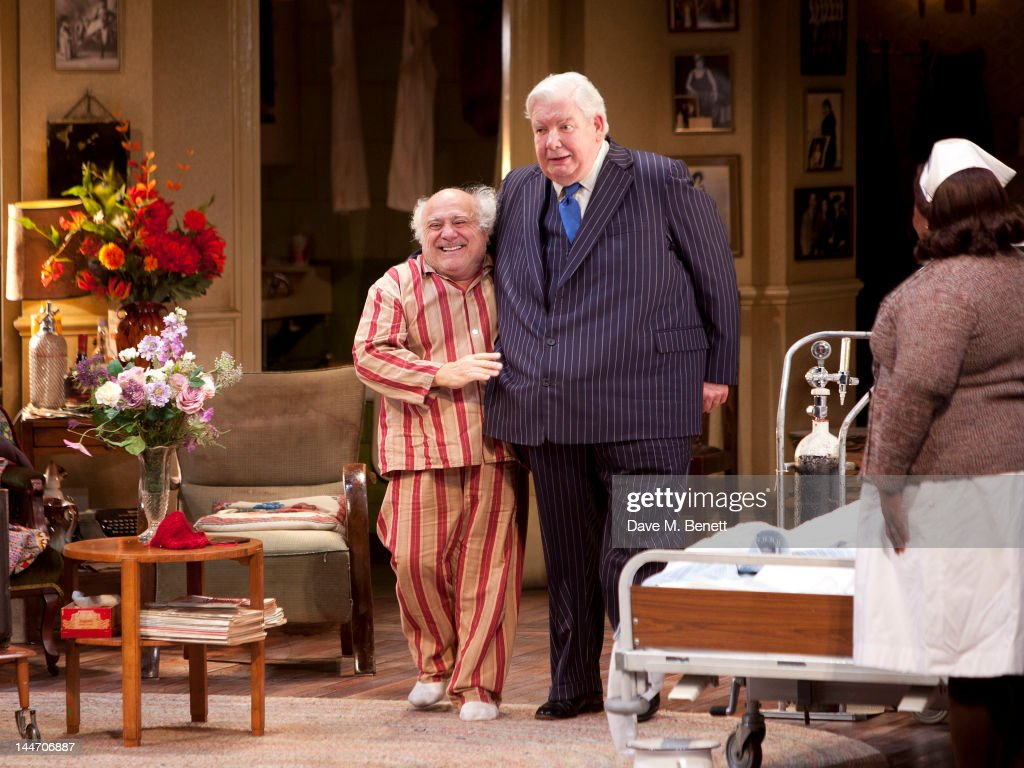 'The Sunshine Boys' Curtain Call And After-Party : News Photo