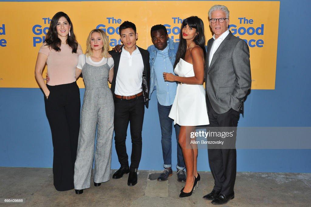 "NBC's ""The Good Place"" FYC @ UCB - Arrivals : Nachrichtenfoto"