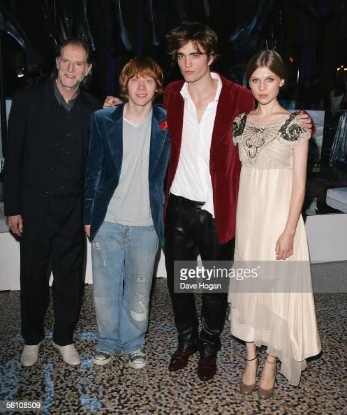Actors David Bradley, Rupert Grint, Robert Pattinson and ...