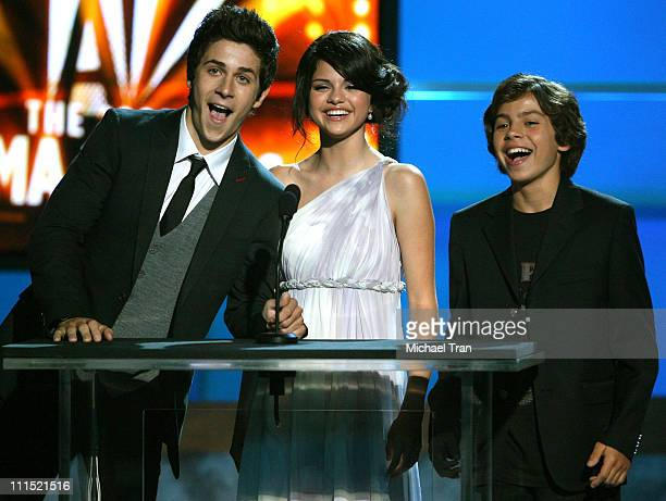 Actors David Henrie Selena Gomez and Jake T Austin onstage during the 2008 ALMA Awards at the Pasadena Civic Auditorium on August 17 2008 in Pasadena...