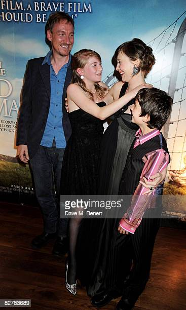 Actors David Thewlis Amber Beattie Vera Farmiga and Asa Butterfield attend the pre screening drinks reception for 'The Boy In The Striped Pyjamas' at...