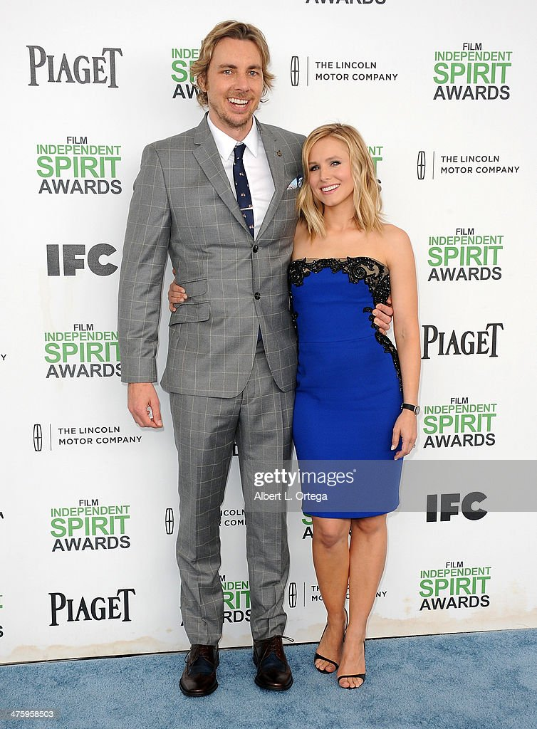 Actors Dax Shepard and Kristen Bell arrive for the 2014 Film Independent Spirit Awards held at the beach on March 1, 2014 in Santa Monica, California.