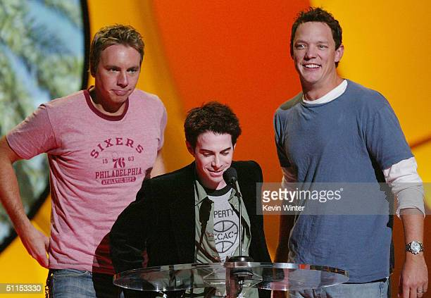Actors Dax Shepard Seth Green and Matthew Lillard speak on stage at The 2004 Teen Choice Awards held on August 8 2004 at Universal Amphitheater in...