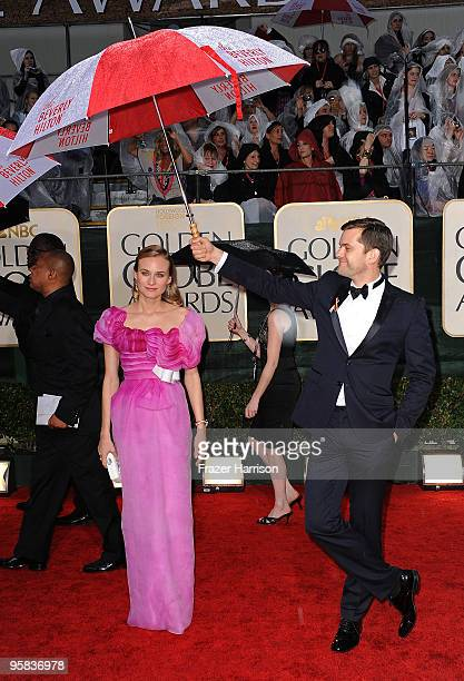 Actors Diane Kruger and Joshua Jackson arrive at the 67th Annual Golden Globe Awards held at The Beverly Hilton Hotel on January 17 2010 in Beverly...