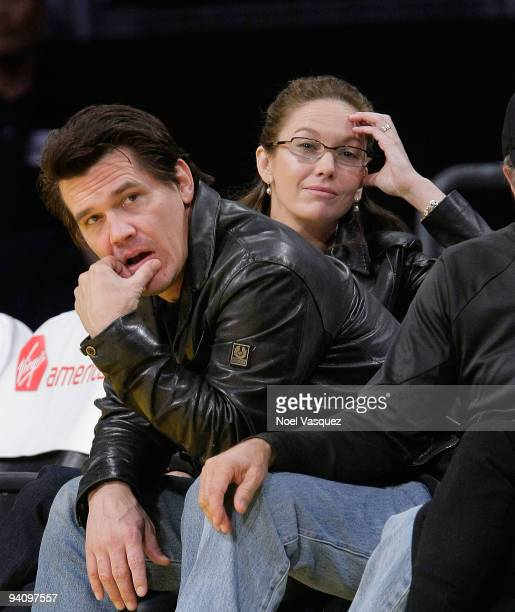 Actors Diane Lane and Josh Brolin attend a game between the Phoenix Suns and the Los Angeles Lakers at Staples Center on December 6, 2009 in Los...