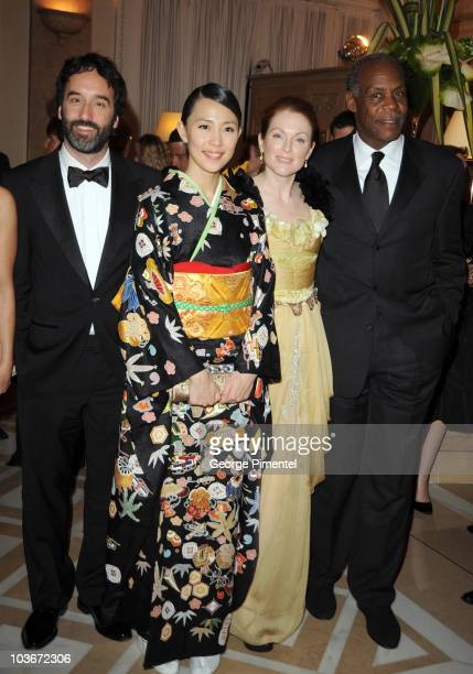 "Actors Don McKellar, Yoshino Kimura, Julianne Moore, and Danny Glover attend the ""Blindness"" opening night dinner at the Carlton Hotel during the..."