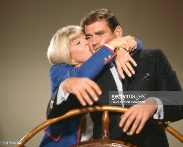 Actors Doris Day as Jennifer Nelson and Rod Taylor as Bruce Templeton in a publicity still for the romantic comedy film 'The Glass Bottom Boat', 1966.
