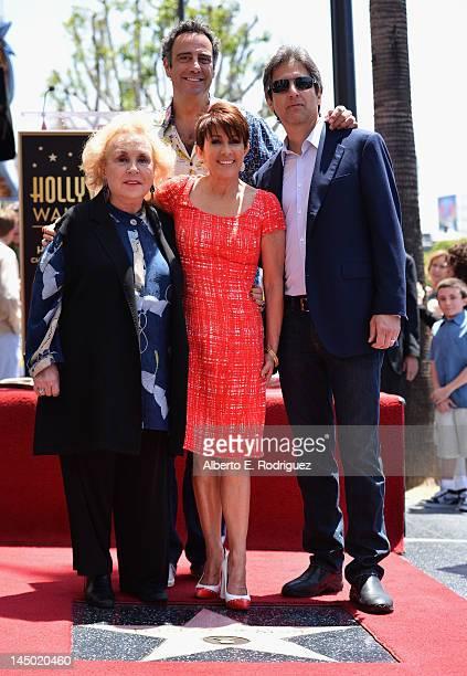 Actors Doris Roberts Brad Garrett Patricia Heaton and Ray Romano attend a ceremony honoring Patricia Heaton with the 2472nd star on the Hollywood...