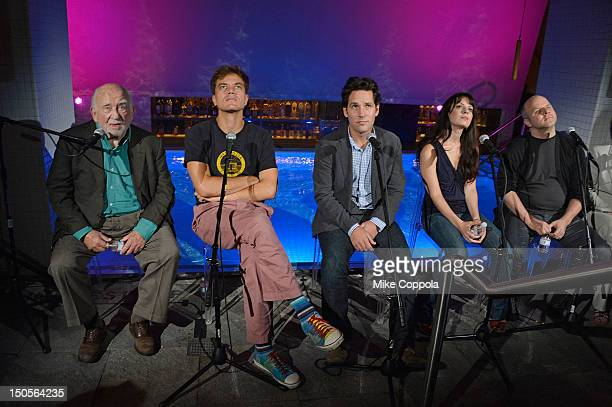 Actors Ed Asner Michael Shannon Paul Rudd Kate Arrington and director Dexter Bullard attend Broadway's Grace cast photocall at the Grace Hotel on...