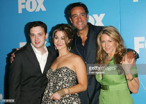 Actors Eddie Kaye Thomas Kat Foster Brad Garrett and Joely Fisher attend the FOX 2007 Programming presentation at the Wollman Rink in Central Park on...