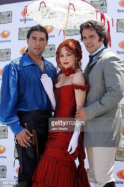 Actors Eduardo Yanez Araceli Arambula and Cristian de la Fuente pose for a photograph during the first day of the soap opera 'Corazon Salvaje'...