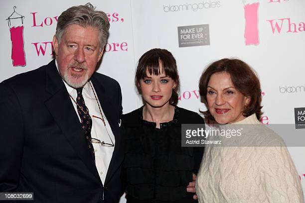 Actors Edward Herrmann Alexis Bledel and Kelly Bishop attend the Love Loss and What I Wore 500th performance celebration at B Smith's Restaurant on...
