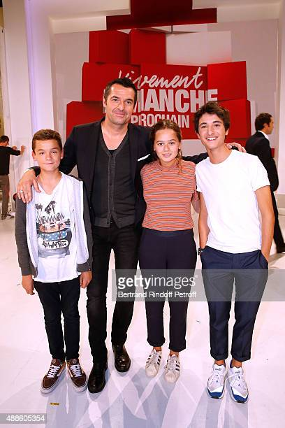 Actors Eliott Tiberghien Arnaud Ducret Lucie Fagedet and Orfeo Campanella present the TV Series Parents mode d'emploi during the 'Vivement Dimanche'...