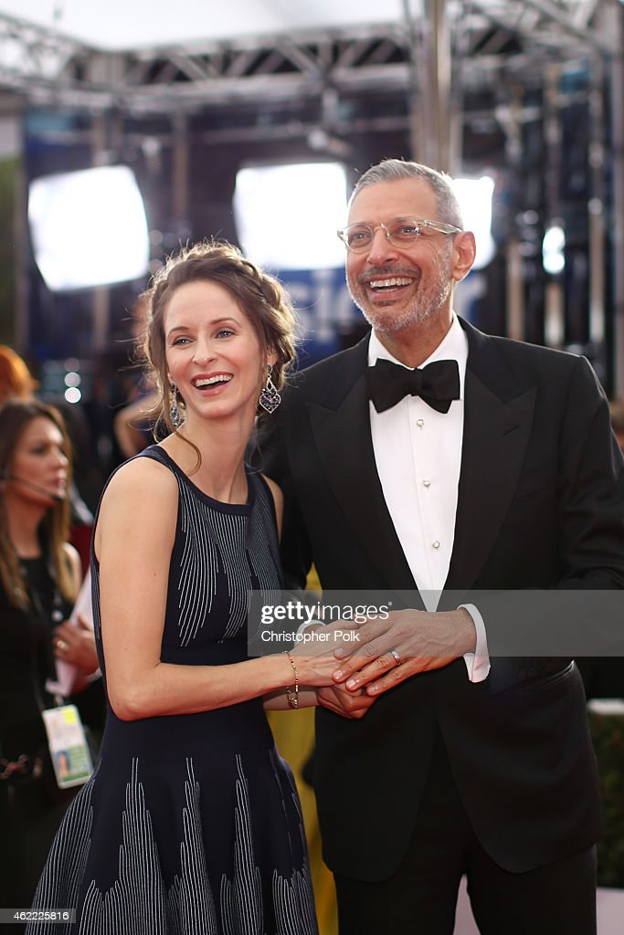 Actors Emilie Livingston (L) and Jeff Goldblum attend TNT's 21st Annual Screen Actors Guild Awards at The Shrine Auditorium on January 25, 2015 in Los Angeles, California. 25184_013