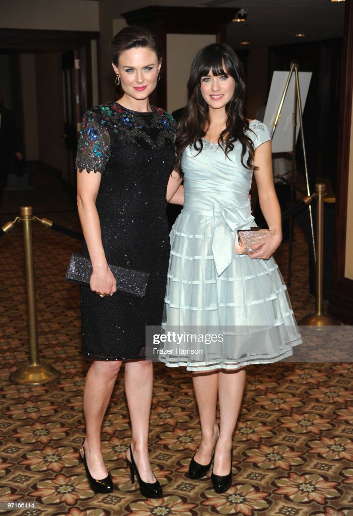 Actors Emily Deschanel and sister Zooey Deschanel arrive at the 24th Annual American Society of Cinematographers 24th Annual Outstanding Achievement Awards held at the Hyatt Regency Century Plaza Hotel on February 27, 2010 in Los Angeles, California.
