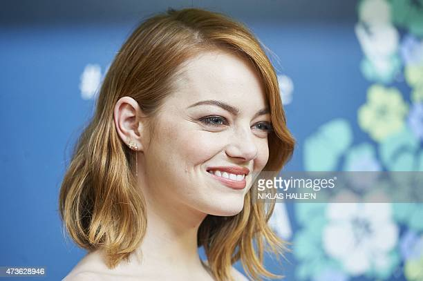 US actors Emma Stone poses on the red carpet arriving to attend a special screening of the film Aloha in London on May 16 2015 AFP PHOTO / NIKLAS...