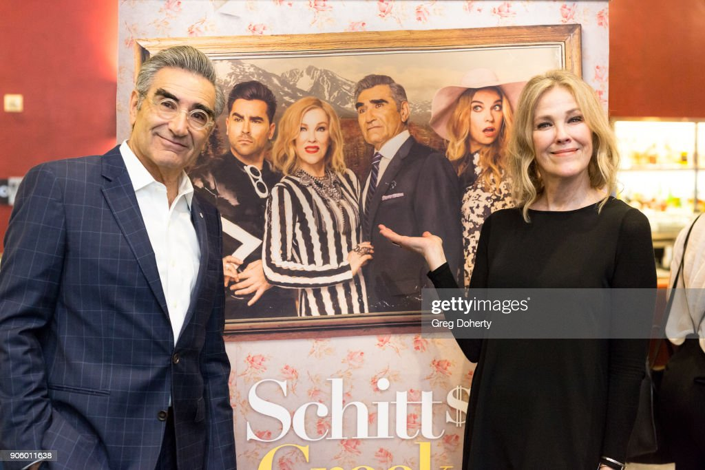 """Premiere Of Pop TV's """"Schitt's Creek"""" Season 4 - Arrivals : Nachrichtenfoto"""