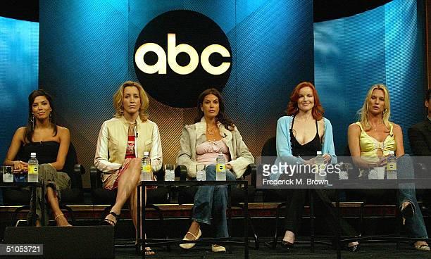 Actors Eva Longoria Felicity Huffman Teri Hatcher Marcia Cross and Nicolette Sheridan of 'Desperate Housewives' speak with the media at the ABC...