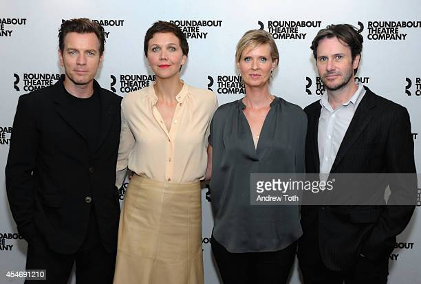 Actors Ewan McGregor Maggie Gyllenhaal Cynthia Nixon and Josh Hamilton attend Broadway's 'The Real Thing' cast photo call at Roundabout Theatre...