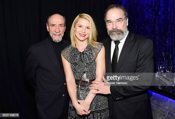 Actors F Murray Abraham Claire Danes and Mandy Patinkin pose with the award for 'Favorite Premium Cable TV Show' at the People's Choice Awards 2016...