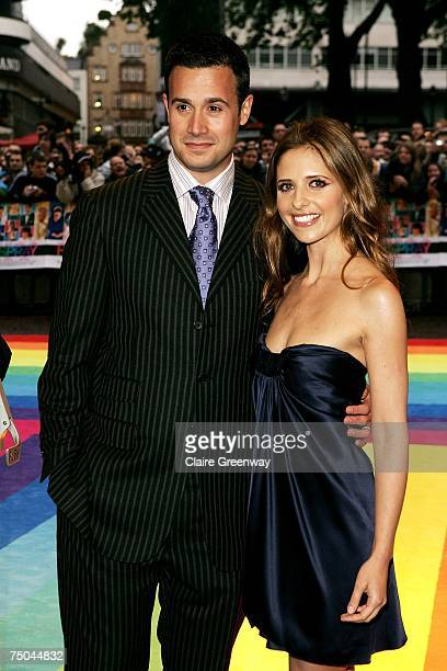 Actors Freddie Prinze Jnr and Sarah Michelle Gellar arrive at the UK premiere of 'Hairspray' at Odeon West End on July 5 2007 in London England