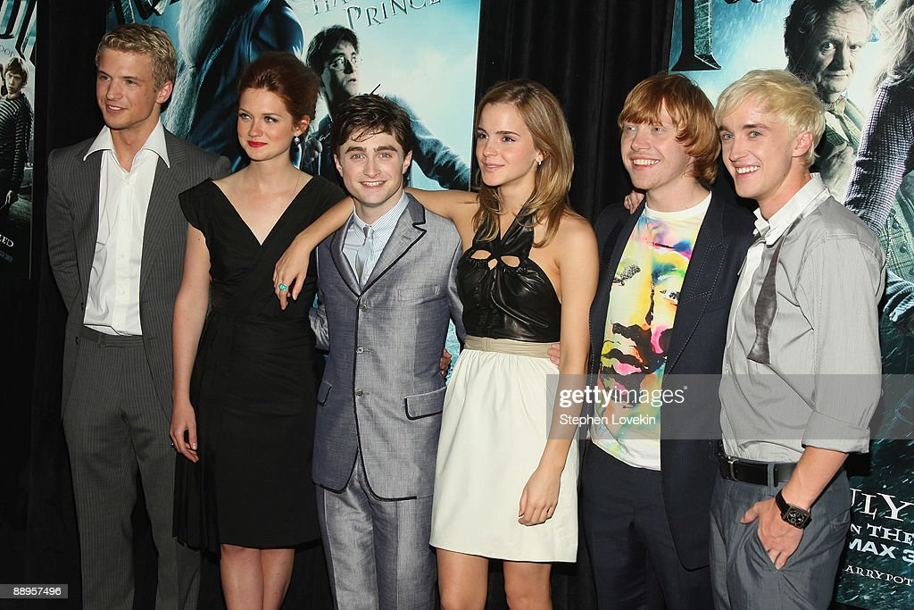Actors Freddie Stroma, Bonnie Wright, Daniel Radcliffe, Emma Watson, Rupert Grint and Tom Felton attend the 'Harry Potter and the Half-Blood Prince' premiere at Ziegfeld Theatre on July 9, 2009 in New York City.
