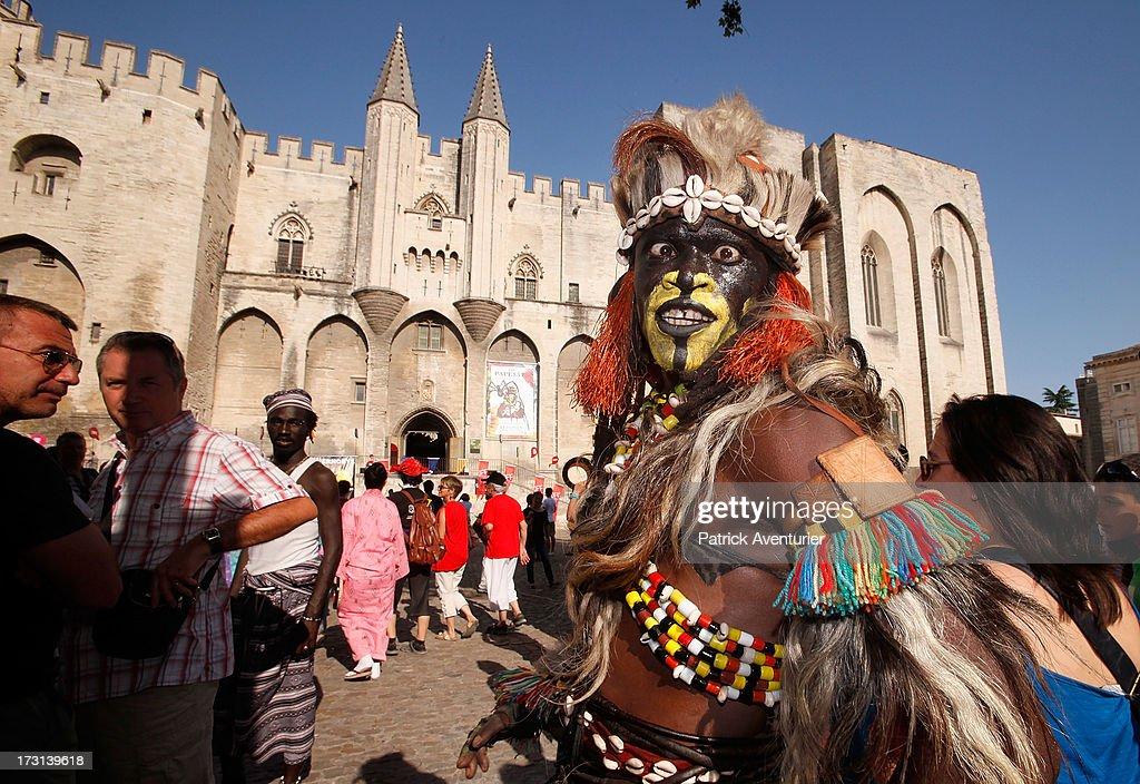 festival avignon defile