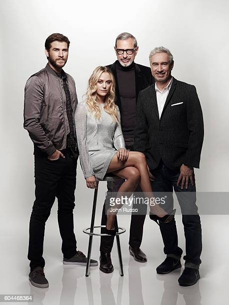 Resurgence Liam Hemsworth Jeff Goldblum and Maika Monroe are photographed with filmmaker Roland Emmerich f for 20th Century Fox on March 23 2016 in...