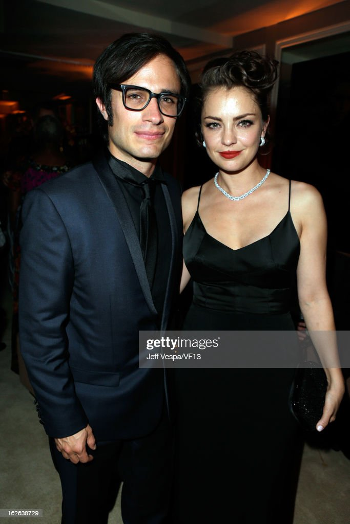 Actors Gael Garcia Bernal and Dolores Fonzi attend the 2013 Vanity Fair Oscar Party hosted by Graydon Carter at Sunset Tower on February 24, 2013 in West Hollywood, California.