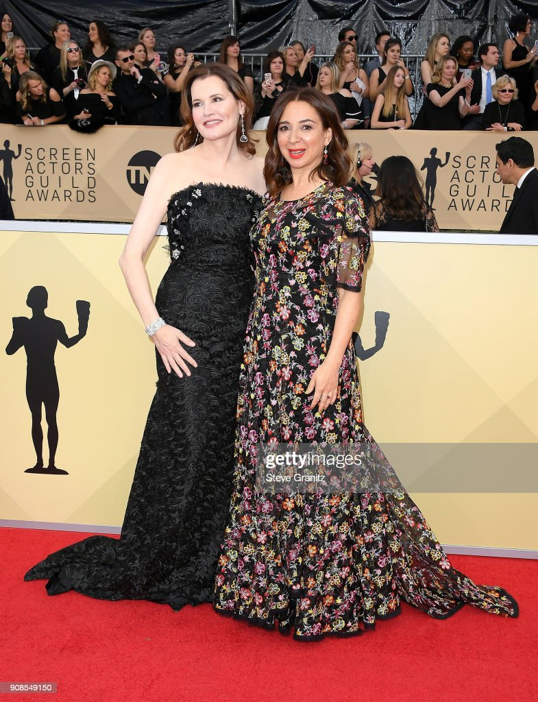 Actors Geena Davis (L) and Maya Rudolph attend the 24th Annual Screen Actors Guild Awards at The Shrine Auditorium on January 21, 2018 in Los Angeles, California.
