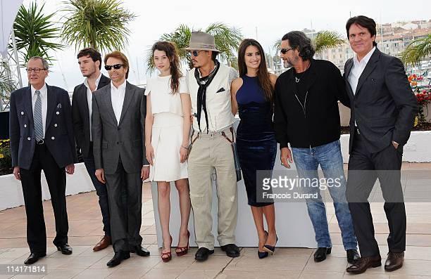 Actors Geoffrey Rush, Sam Caflin, producer Jerry Bruckheimer, actors Astrid Berges-Frisbey, Johnny Depp, Penelope Cruz, Ian McShane, and director Rob...